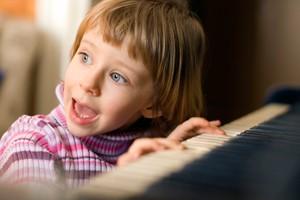 Imagem da notícia: Amamentação contribui para melhor dentição