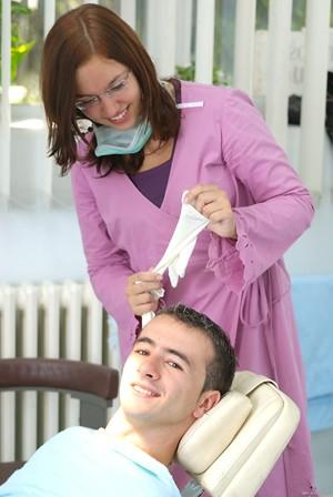 Imagem da notícia: Atrasos no pagamento comprometem cheques-dentista no norte