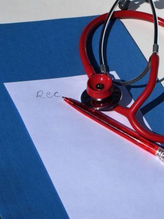 Imagem da notícia: Falta de segurança na prescrição electrónica