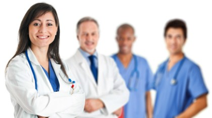 Imagem da notícia: Reino Unido recruta médicos e enfermeiros em Portugal