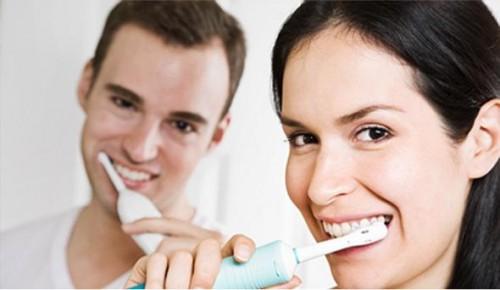 Imagem da notícia: Lavar os dentes pode salvar-lhe a vida