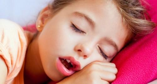 Imagem da notícia: A respiração oral pode levar a danos irreversíveis na face