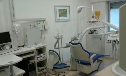 Imagem da notícia: Vendo clínica dentária (empresa + edifício) com várias especialidades