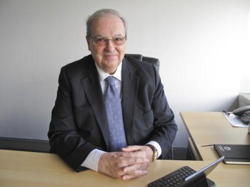 Imagem da notícia: Vasconcelos Tavares recebeu diploma de Professor Emérito da UL