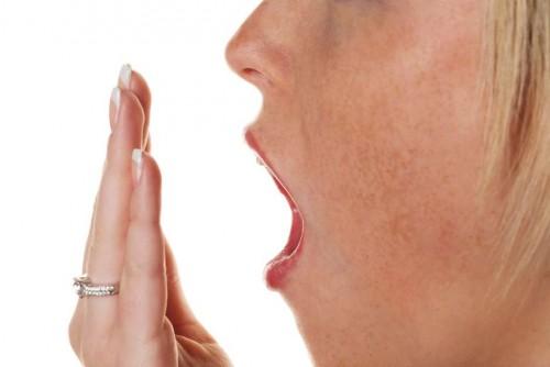 Imagem da notícia: Mau hálito poderá indicar insuficiência renal crónica?