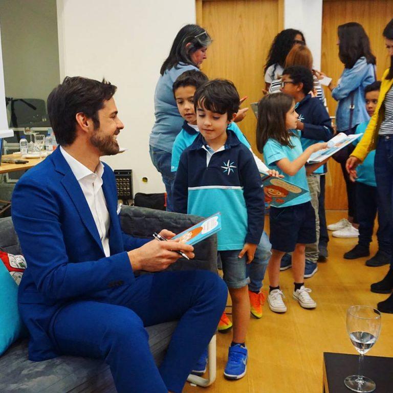 Imagem da notícia: Hugo Madeira lança livro infantil