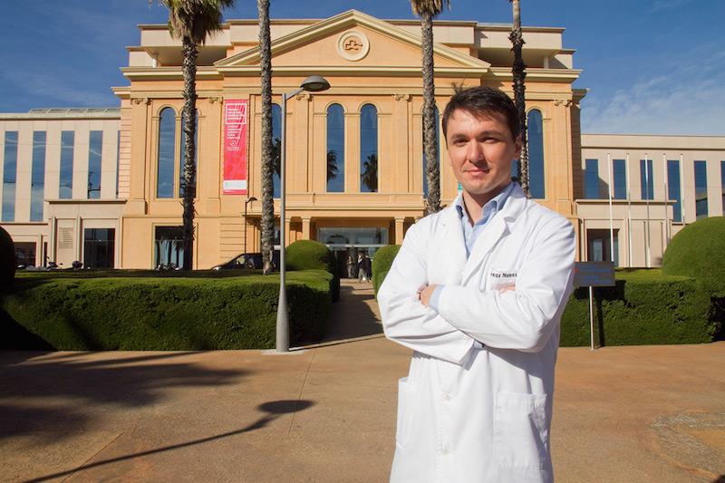Imagem da notícia: Dentista português dirige Unidade do Hálito em Barcelona