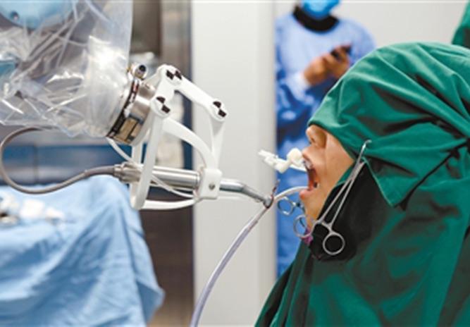 """Imagem da notícia: Robôs que """"substituem"""" médicos dentistas"""
