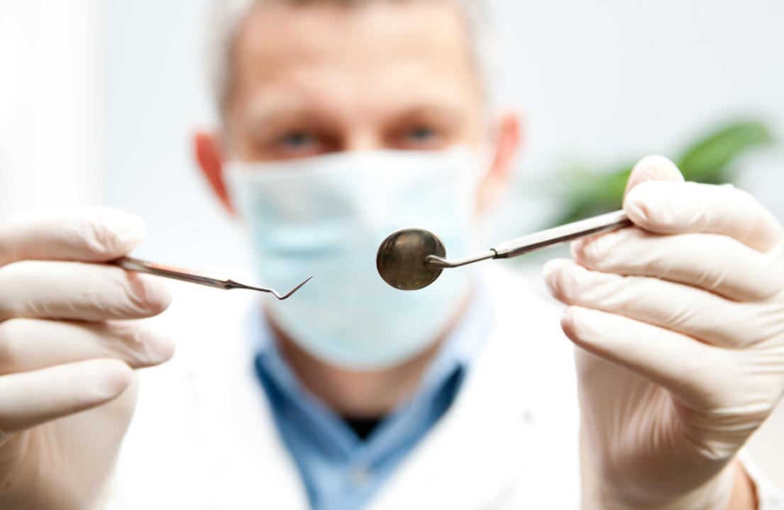 Imagem da notícia: Dentistas formados há menos de 10 anos enfrentam nova realidade profissional