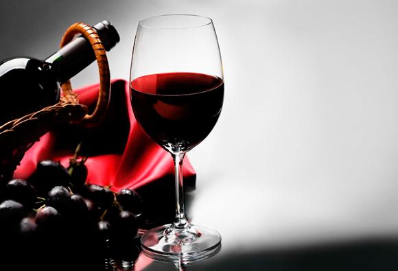 Imagem da notícia: Vinho tinto poderá beneficiar saúde oral