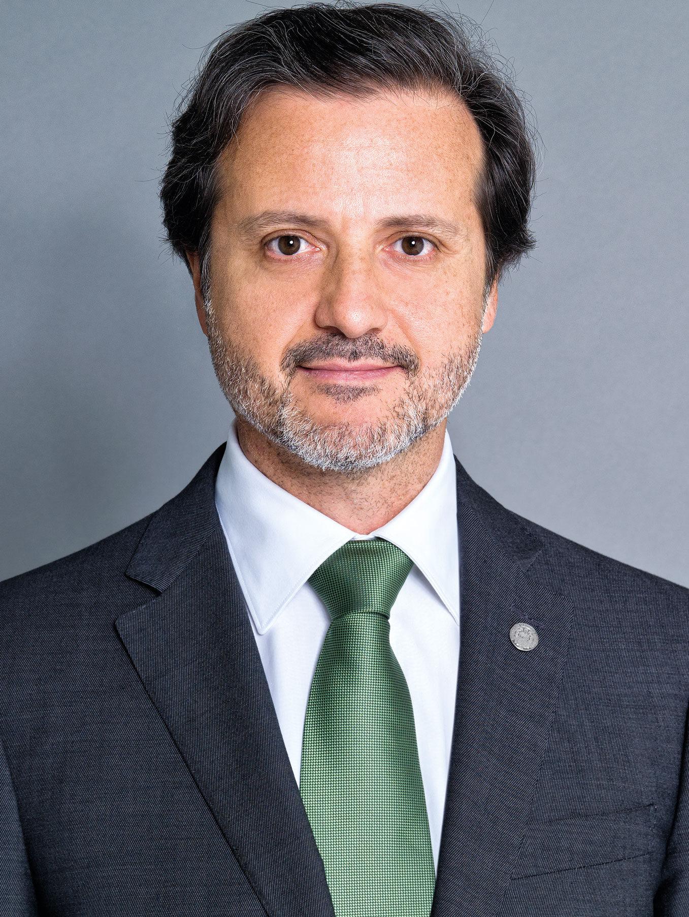 Imagem da notícia: Bastonário da OMD nomeado vice-presidente da FEDCAR