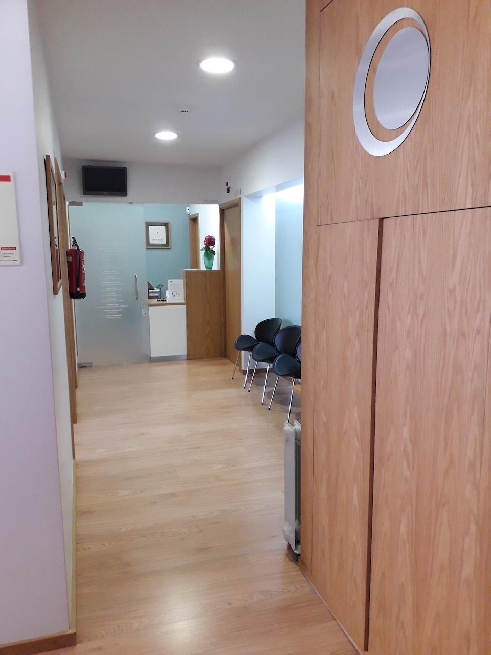 Imagem da notícia: Vende-se clínica no centro de Gaia