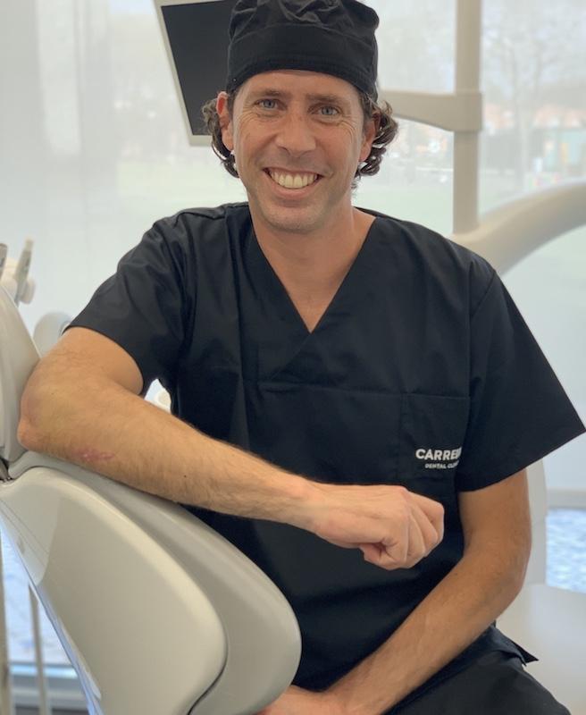 Imagem da notícia: Adriano Carreira: Covid-19 e o impacto na medicina dentária