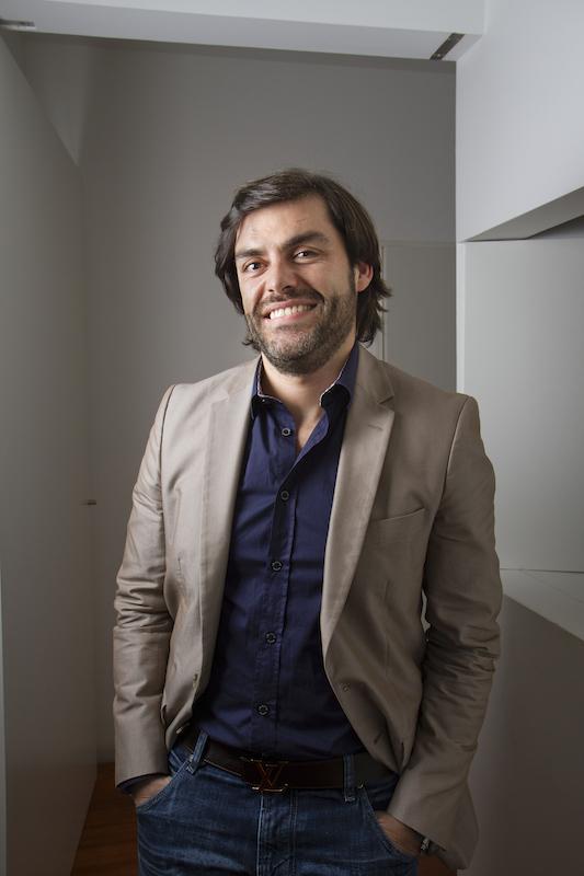 Imagem da notícia: Carlos Falcão: Covid-19 e o impacto na medicina dentária