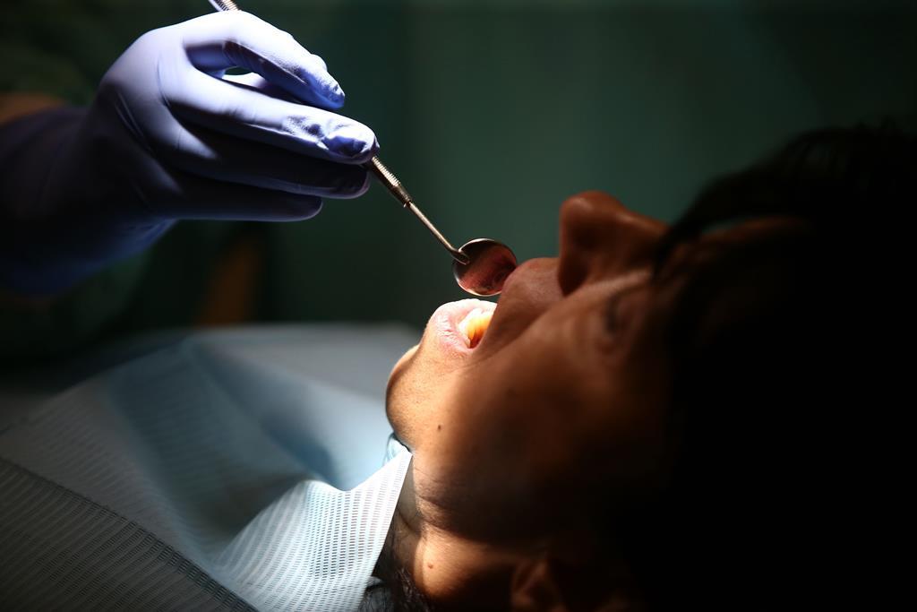 Imagem da notícia: 1º Barómetro Europeu Dentário sobre a Covid-19
