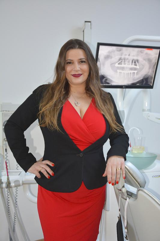 Imagem da notícia: Raquel Zita na Academia Americana de Cirurgia Oral