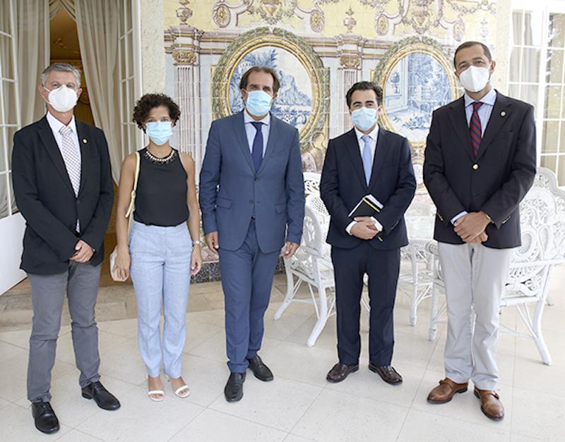 Imagem da notícia: Bastonário da OMD reuniu no Funchal com o secretário regional da saúde