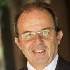 Imagem da notícia: Gil Alcoforado distinguido pela European Federation of Periodontology