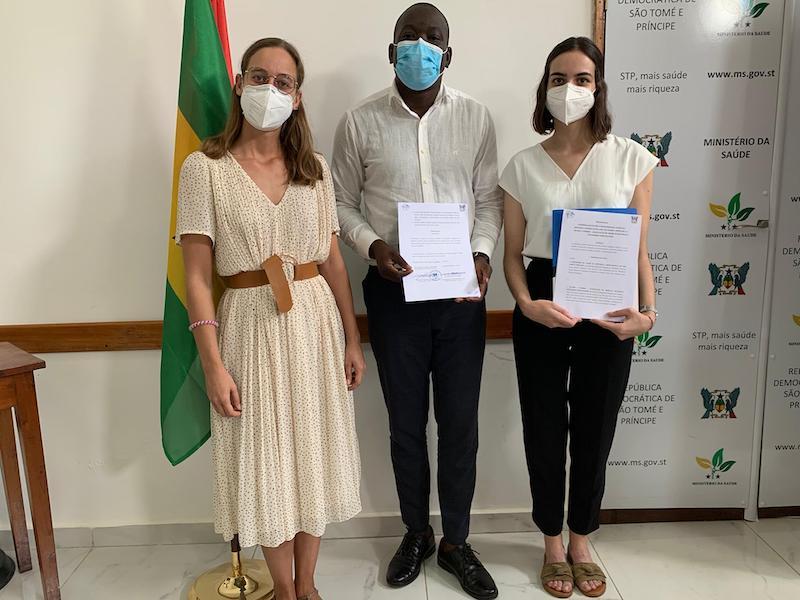 Imagem da notícia: Mundo A Sorrir renova parceria com Ministério da Saúde de São Tomé e Príncipe