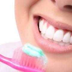 Imagem da notícia: Higiene oral: estudo evidencia impacto de más práticas