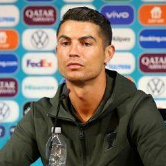 Imagem da notícia: OMD: Bastonário felicita Cristiano Ronaldo por gesto em conferência de imprensa