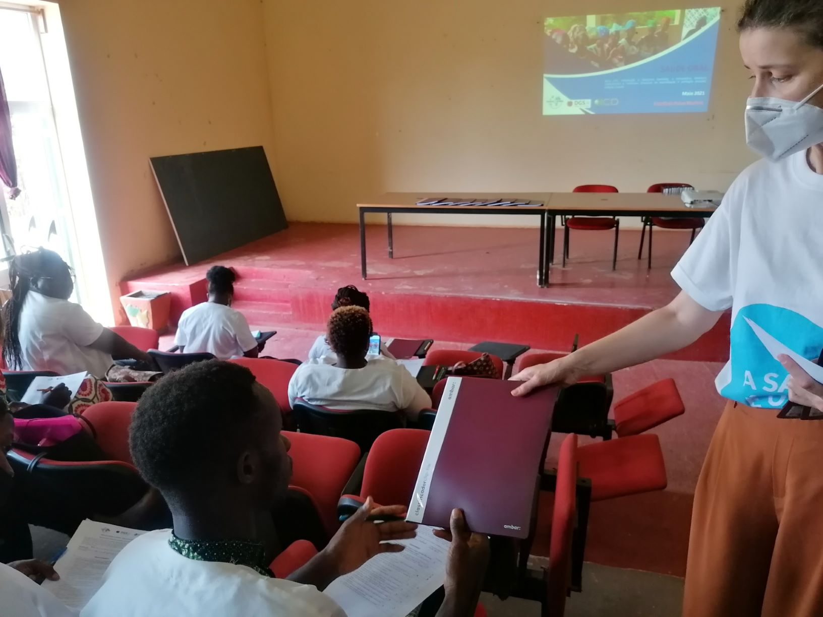 Imagem da notícia: Mundo A Sorrir aposta na capacitação em saúde oral, oftalmologia e psiquiatria na Guiné-Bissau